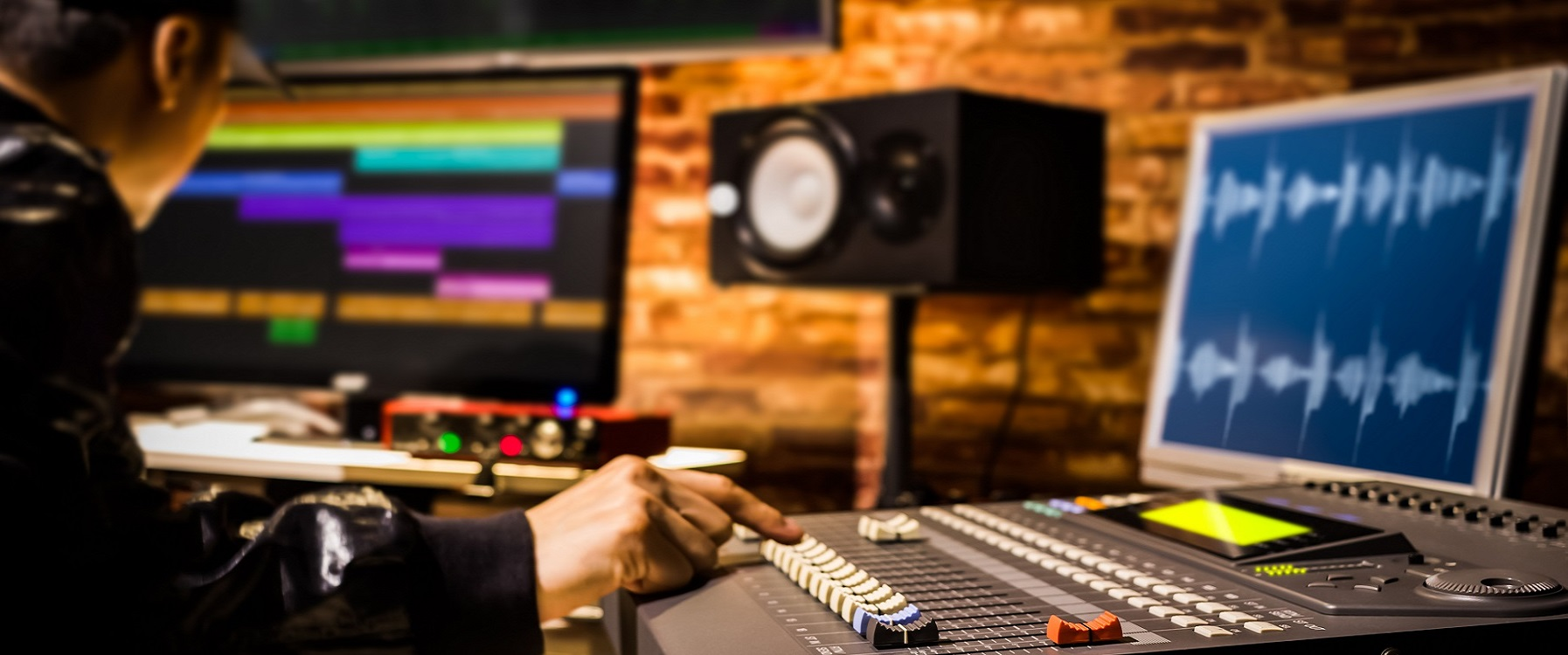Music production and sound engineering tuition at Midimadness Studios Chichester